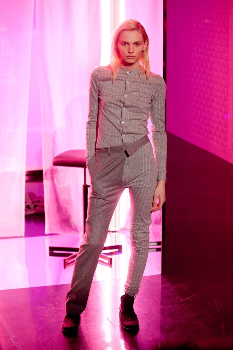Trang phục khiến ngta suy nghĩ =))