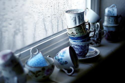 blue-cups-rain-vintage-window-Favim.com-449902